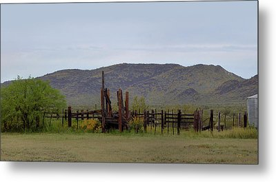 Old Corral Metal Print by Gordon Beck