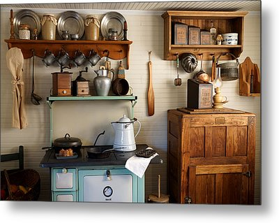Old Country Kitchen Metal Print by Carmen Del Valle