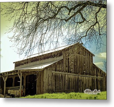 Old County Barn Metal Print by William Havle