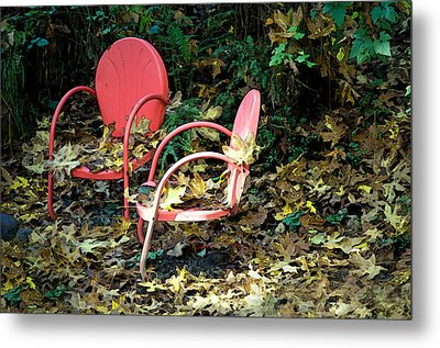 Old Empty Chairs Metal Print by Gwyn Newcombe