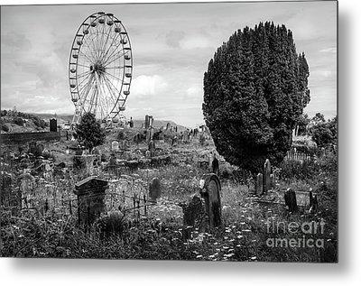 Old Glenarm Cemetery And Big Wheel Bw Metal Print by RicardMN Photography
