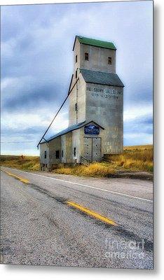 Old Grain Elevator In Idaho Metal Print by Mel Steinhauer