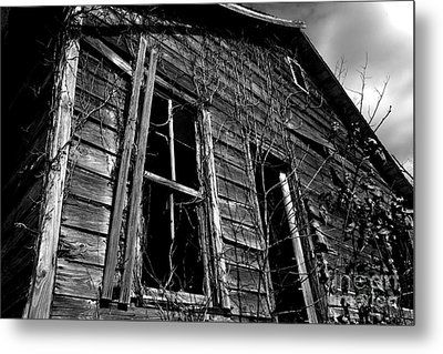 Old House Metal Print by Amanda Barcon