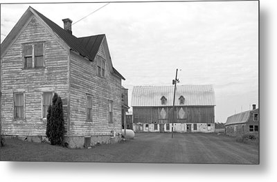 Old House With Barn On Clarks Lake Road Metal Print by Stephen Mack