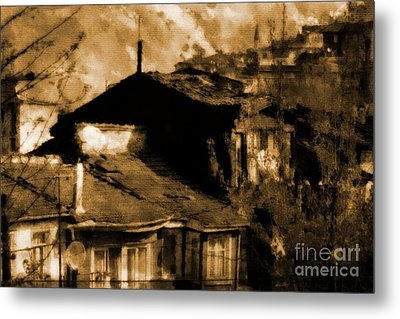 Metal Print featuring the photograph Old Istanbul by Dariusz Gudowicz