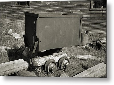 Old Mining Cart Metal Print by Richard Rizzo