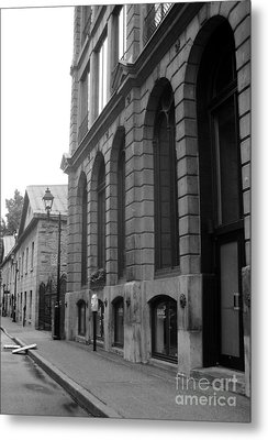 Old Montreal Street Scene Metal Print by Reb Frost