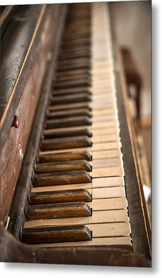 Old Piano Metal Print