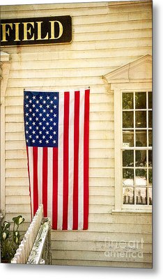 Metal Print featuring the photograph Old Rugged Field Flag by Craig J Satterlee