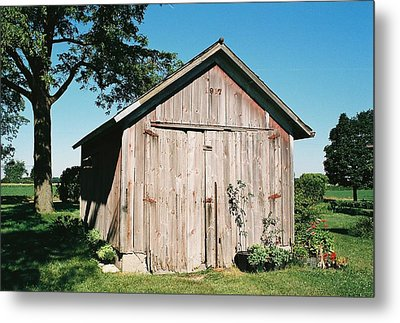 Old Shed Metal Print by Lauri Novak