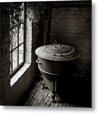 Old Stove Metal Print by Dave Bowman
