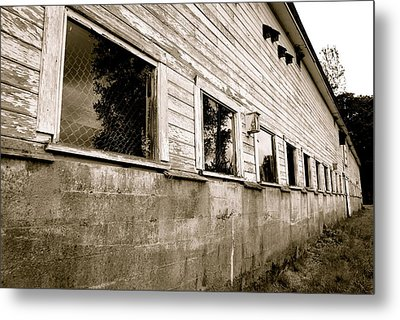 Old White Barn Metal Print by Sonja Anderson