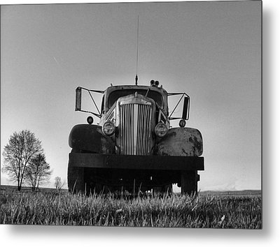 Old White Superpower I In Bw Metal Print by Julie Dant