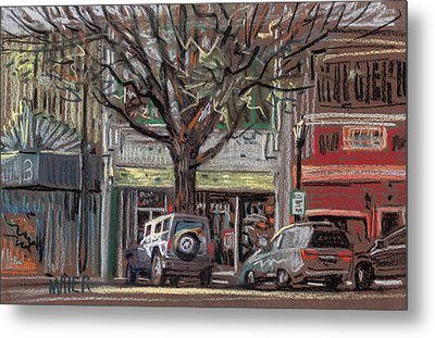 On Marietta Square Metal Print by Donald Maier