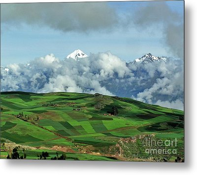 On The Road From Cusco To Urubamba Metal Print by Michele Penner