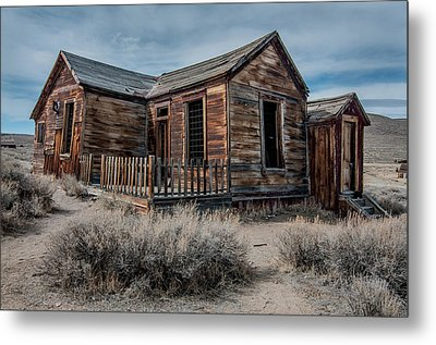 Once A Home Metal Print by Ralph Vazquez