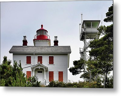 Oregon's Seacoast Lighthouses - Yaquina Bay Lighthouse - Old And New Metal Print by Christine Till