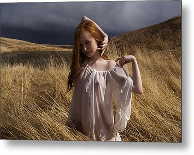Out Of The Grass Metal Print by Waywardimages Waywardimages