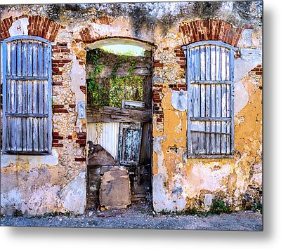 Outside In Metal Print by Dominic Piperata