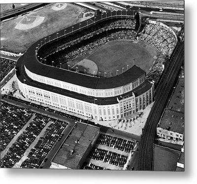 Over 70,000 Fans Jam Yankee Stadium Metal Print