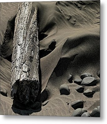 Over The Dune Metal Print by Bonnie Bruno