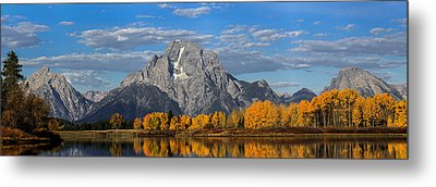 Oxbow Bend In Autumn Metal Print by Andrew Wells