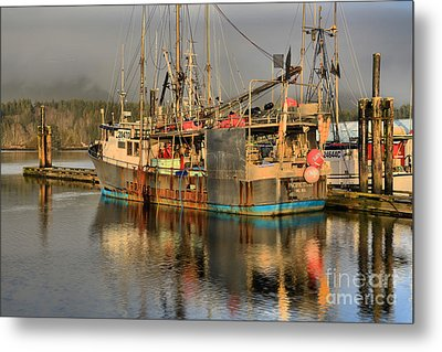 Pacific Titan Reflections Metal Print by Adam Jewell
