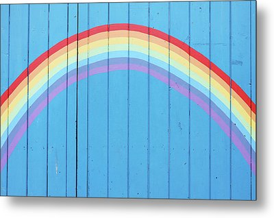Painted Rainbow On Wooden Fence Metal Print by Richard Newstead