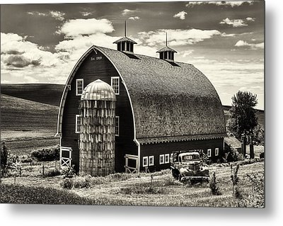 Palouse Icon In Sepia Metal Print by Mark Kiver