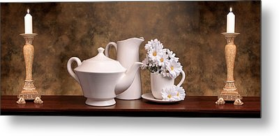 Panoramic Teapot With Daisies Metal Print