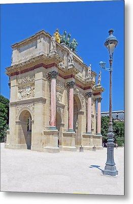 Paris France Small Triumphal Arch At The Louvre Metal Print by Richard Singleton