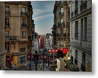 Metal Print featuring the photograph Paris - Montmartre Streetscape 004 by Lance Vaughn