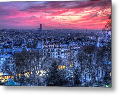 Metal Print featuring the photograph Paris Sunset by Shawn Everhart