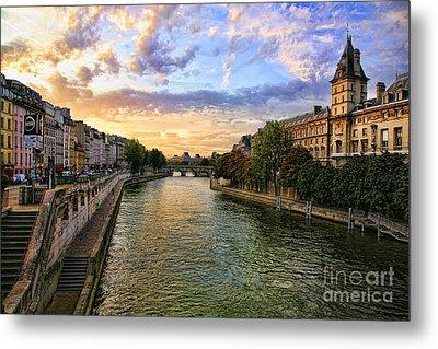 Paris The Seine River C Metal Print by Chuck Kuhn