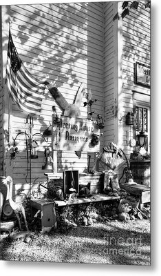 Patiotic Antiques In Metamora Bw Metal Print by Mel Steinhauer
