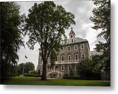 Penn State Old Main And Tree Metal Print by John McGraw