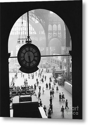 Penn Station Clock Metal Print by Van D Bucher and Photo Researchers