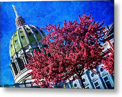 Metal Print featuring the photograph Pennsylvania State Capitol Dome In Bloom by Shelley Neff