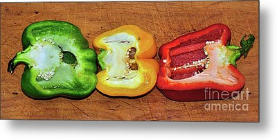 Metal Print featuring the photograph Peppers In A Row By Kaye Menner by Kaye Menner