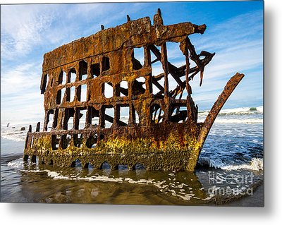 Peter Iredale Shipwreck - Oregon Coast Metal Print