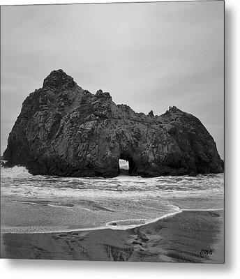 Pfeiffer Beach II Bw Metal Print by David Gordon
