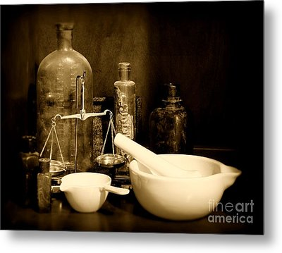 Pharmacy - Mortar And Pestle - Black And White Metal Print