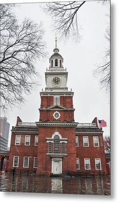Philadelphia - Independence Hall On A Rainy Day Metal Print by Bill Cannon