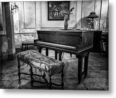 Metal Print featuring the photograph Piano At Josie's House Bw by Joan Carroll