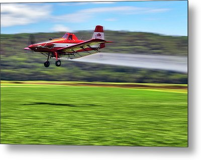 Metal Print featuring the photograph Picking It Up And Putting It Down - Crop Duster - Arkansas Razorbacks by Jason Politte