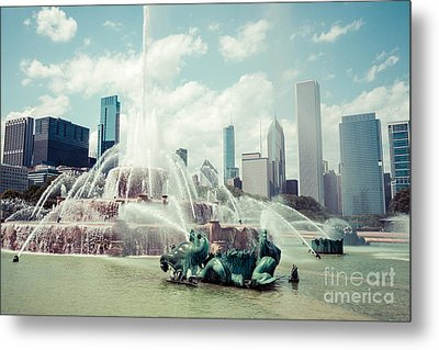 Picture Of Buckingham Fountain With Chicago Skyline Metal Print by Paul Velgos