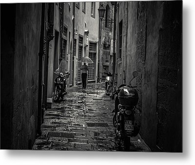 Pisa Back Alley Metal Print by Chris Fletcher