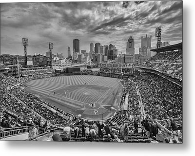 Pittsburgh Pirates Pnc Park Bw X1 Metal Print