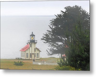 Point Cabrillo Light Station Ca - Lighthouse In Damp Costal Fog Metal Print by Christine Till