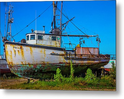 Polaris In Dry Dock Metal Print by Garry Gay